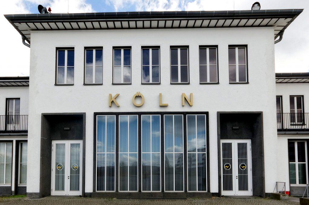 Empfangsgebäude des ehemaligen  Flughafen Köln-Butzweilerhof